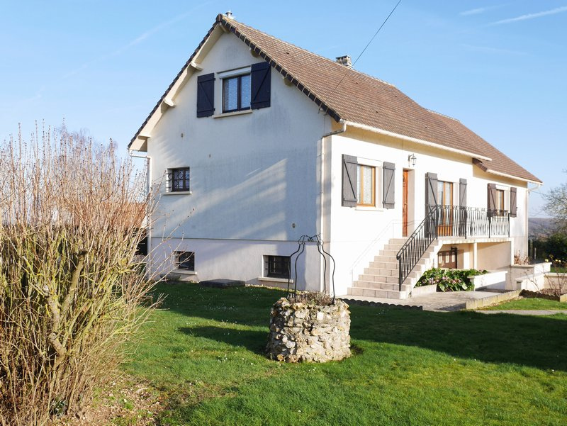 Maison avec 4 chambres à 5 kms de Dreux