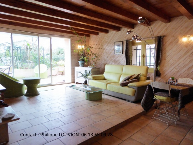philippe louvion. Black Bedroom Furniture Sets. Home Design Ideas