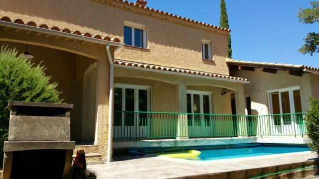 Villa provençale avec piscine sur Bormes (83230)