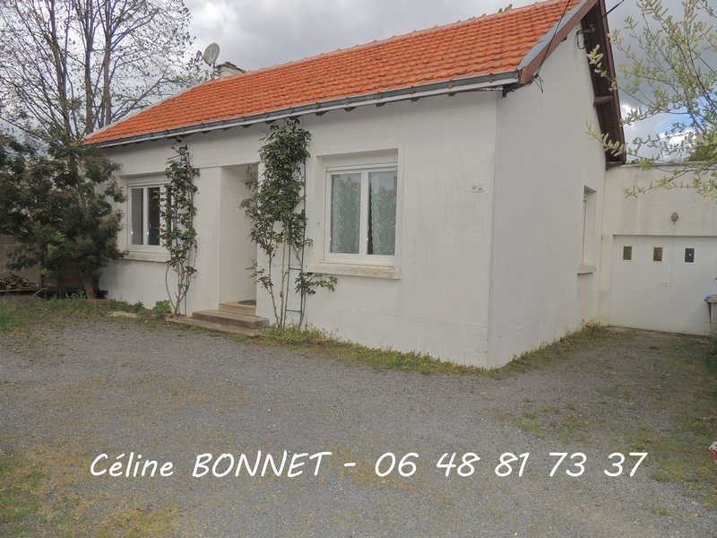 Maison 60m², 2 chambres, garage, terrain 580m²
