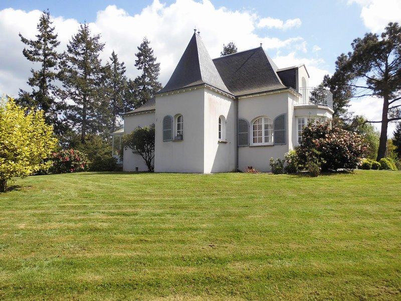 Propriété et demeure, 4 chambres, 250m² hab.