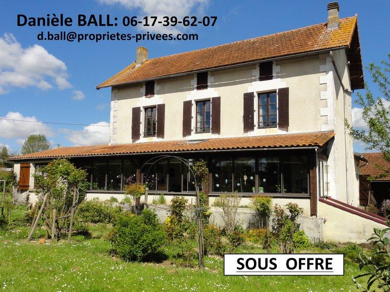 maison 150m², 3 chambres à AUSSAC-VADALLE