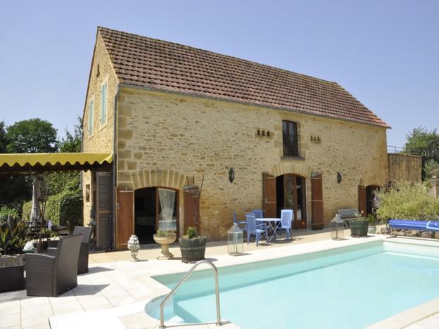 Magnifique domaine en pierre - maison et 2 gites - piscine