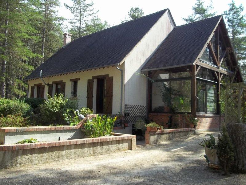 Pavillon avec 4 chambres et sous sol