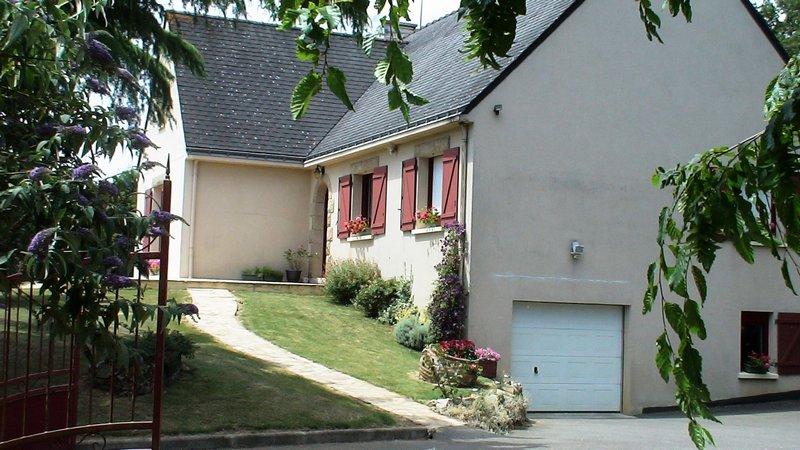 Maison 4 chambres, piscine,Terrain de 3450m²;