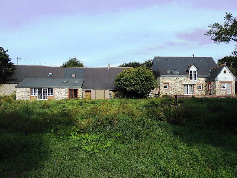 Maison Type Longère, 6 Chambres, avec étangs.