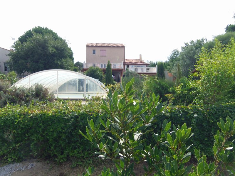 Villa 180 m², terrain 3100 m², piscine, dépendance