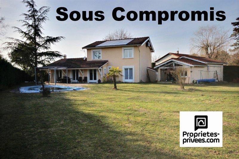 vente maison 163 m montrond les bains 42210. Black Bedroom Furniture Sets. Home Design Ideas