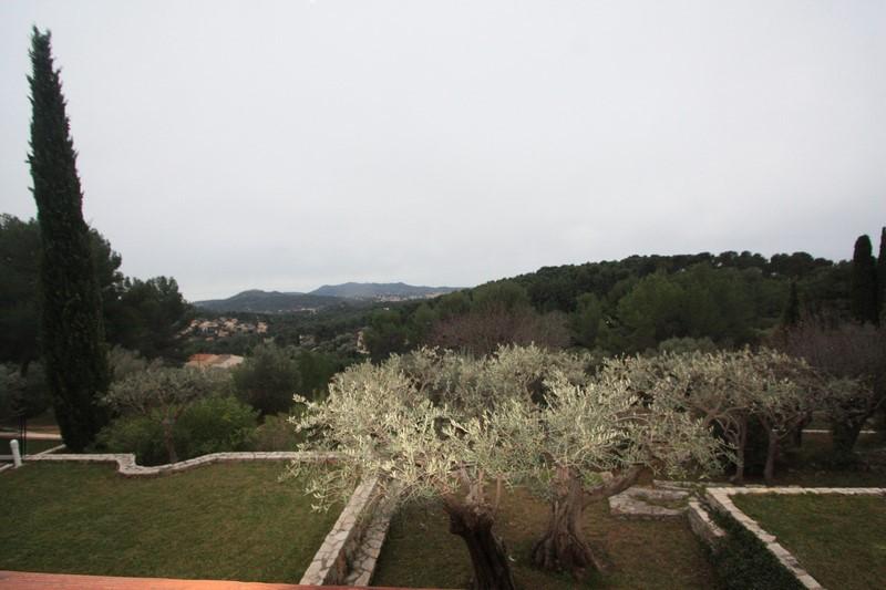 Sanary/Mer Maison 8 pièces - terrain 2800 m² calme