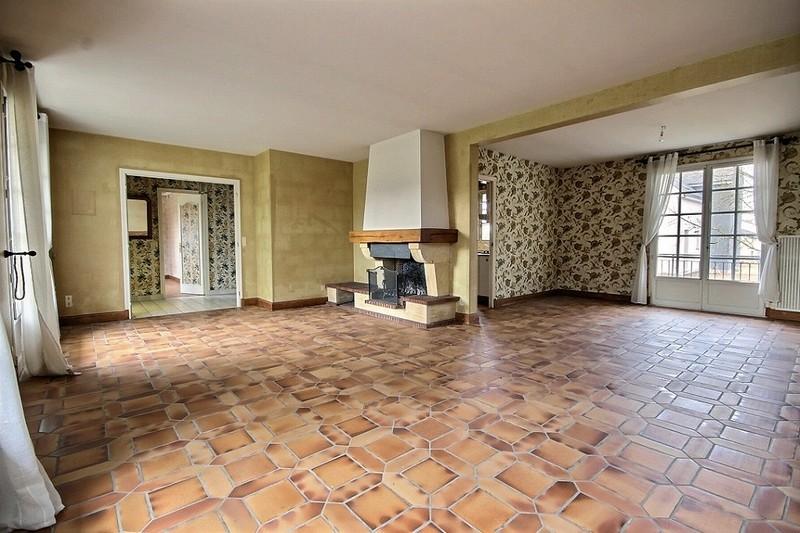 Maison de 5 chambres sur 2220 m2 de terrain