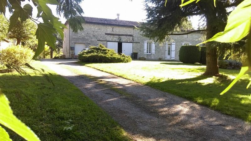 BELLE MAISON EN PIERRE-150m²-3 chambres