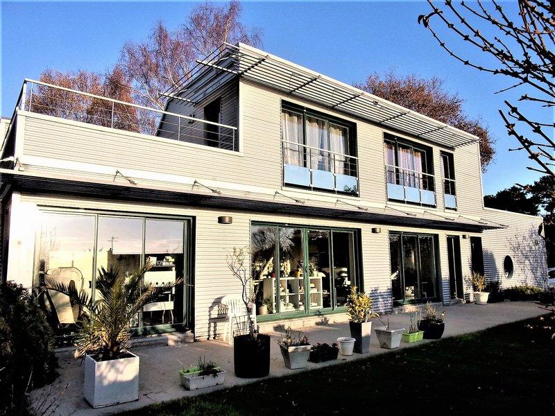 56100 Lanester 10 min de Lorient Magnifique maison atypique très économique en chauffage 21€/mois d'environ 150 m² Prix 467 955 € HAI