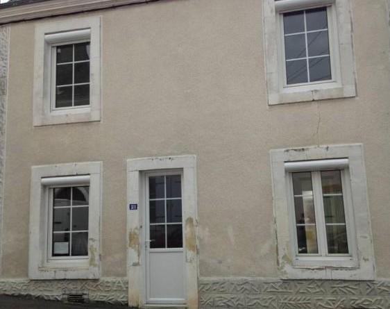 72450 Montfort le Gesnois, maison d'environ 70m²