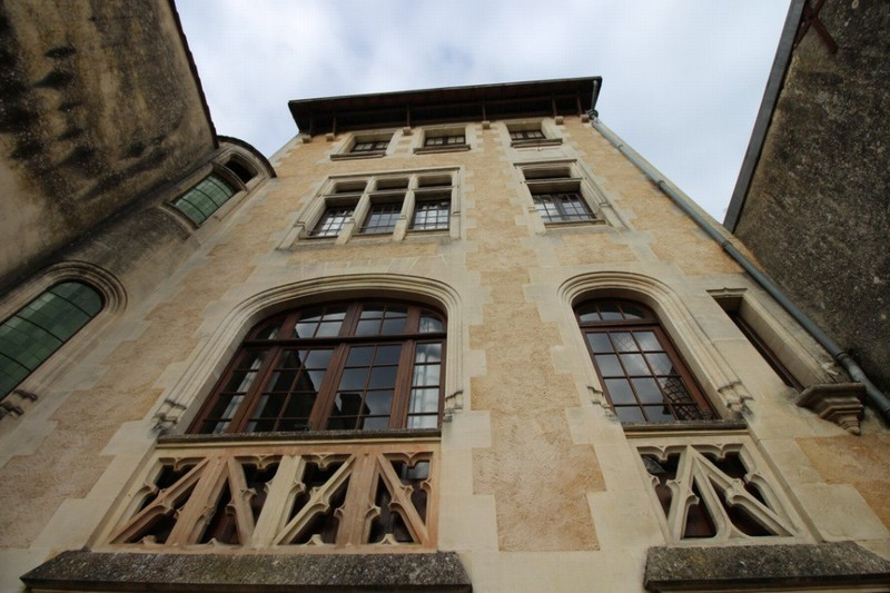 Jonzac 17500 - Hotel Particulier 300 m² 343 400 €
