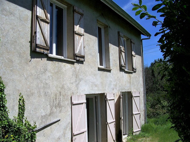 Grande maison à finir de rénover