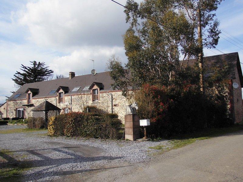 Maison Type Longère, 9 Chambres, +7 hect. terrain