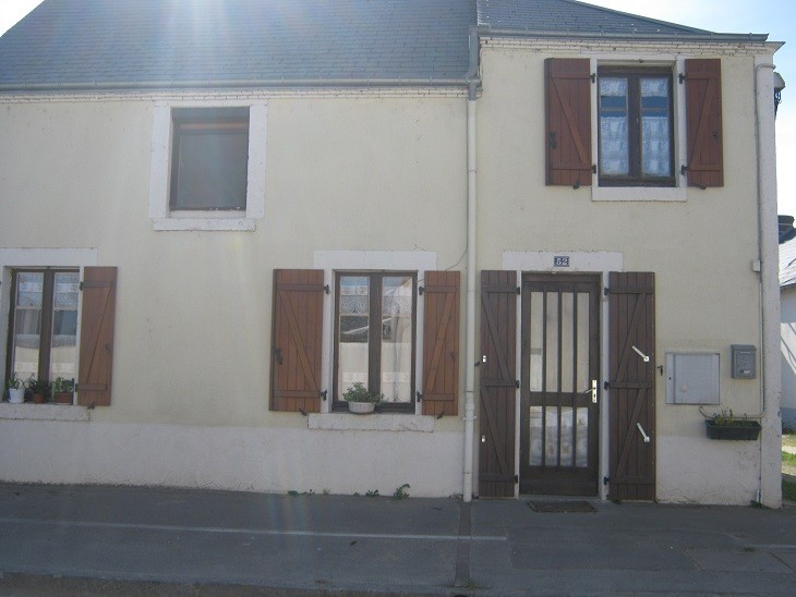 A vendre maison 2 chambres à  Patay