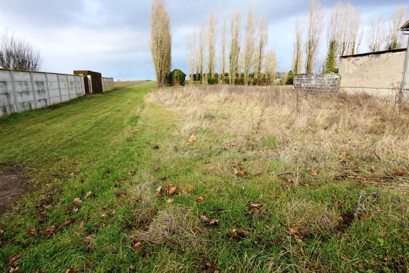 Terrain à bâtir proche Béville