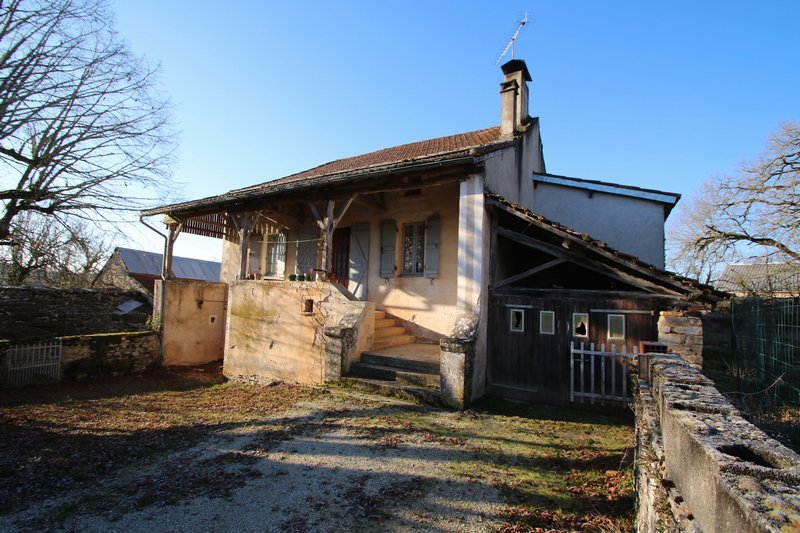 CRAYSSAC Maison à rénover avec grange