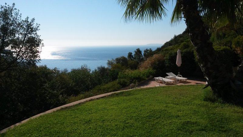 Lavandou - Magnifique villa  vue sur le Cap Nègre