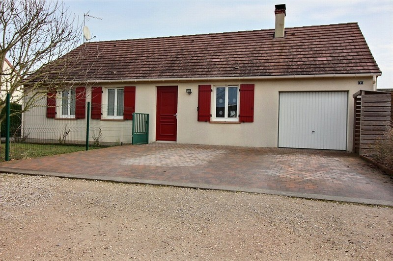 A Vendre Maison avec 4 chambres à  Patay 45310