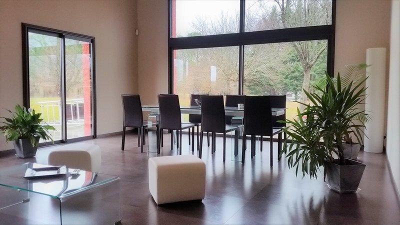 Maison d'architecte sur 5000 m² de terrain