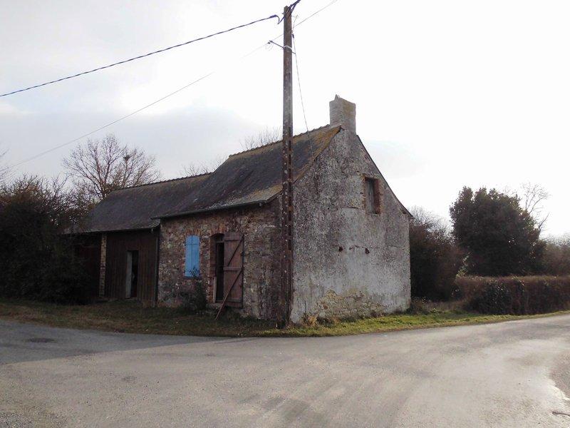Maison 90m², à rénover, 630 m² de terrain.