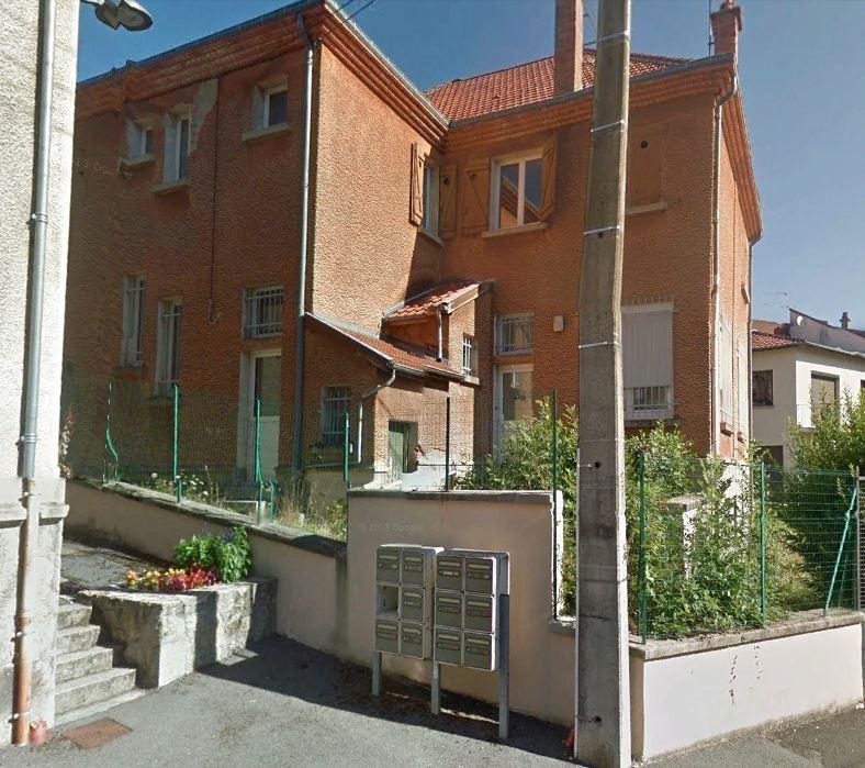 SAINT REMY SUR DUROLLE(63550)-Maison à rénover