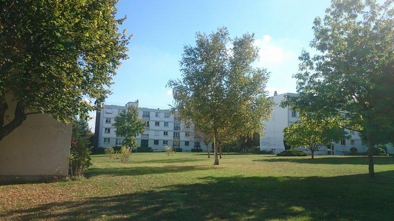 BRUNOY-St Pierre -Appartement T3- 55 m²+ BOX +CAVE