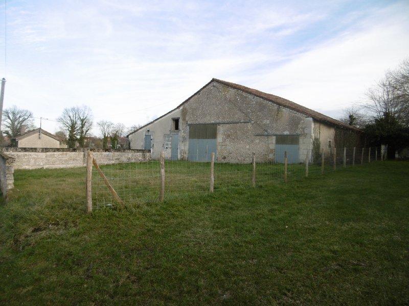 Grange à restaurer proche Ribérac