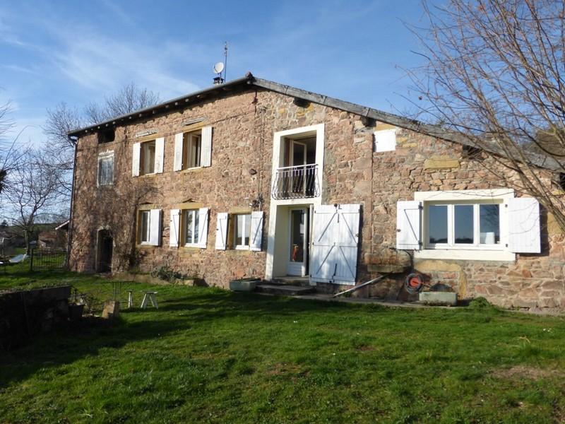 maison en pierre 140 m2 + dependances
