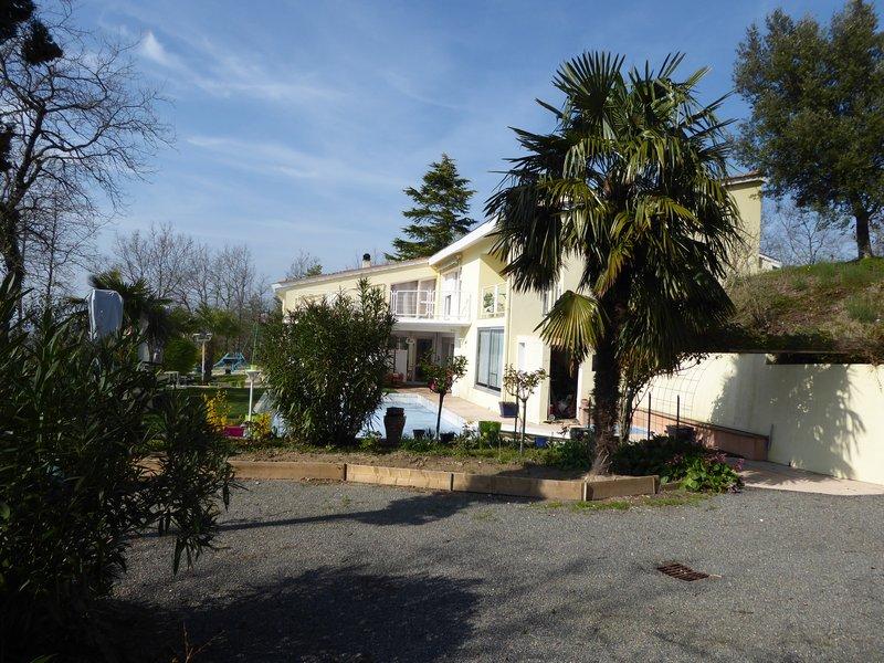 Maison avec vue dominante, piscine, 9p, 4ch
