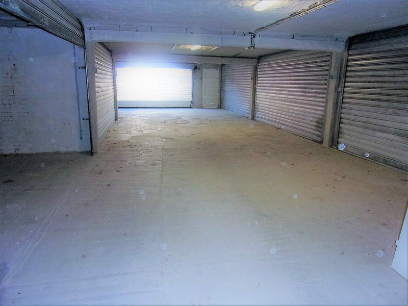 56600 Lanester hyper centre votre futur double garage Prix 24990 € HAI