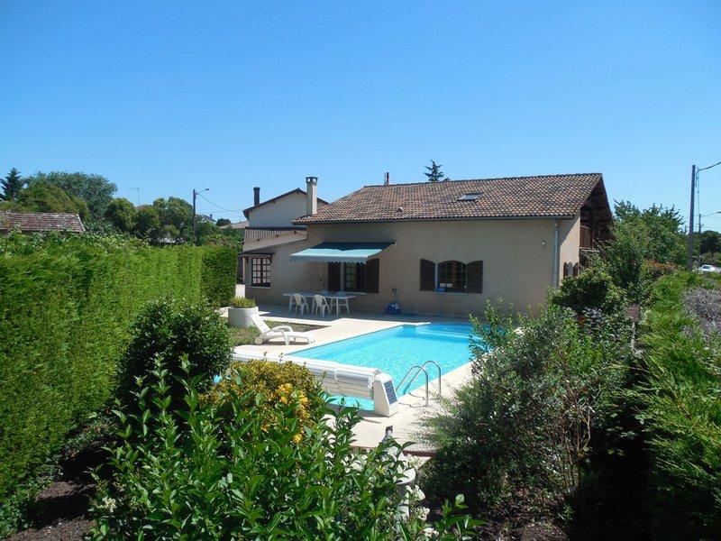 A saisir Grande maison/villa avec piscine