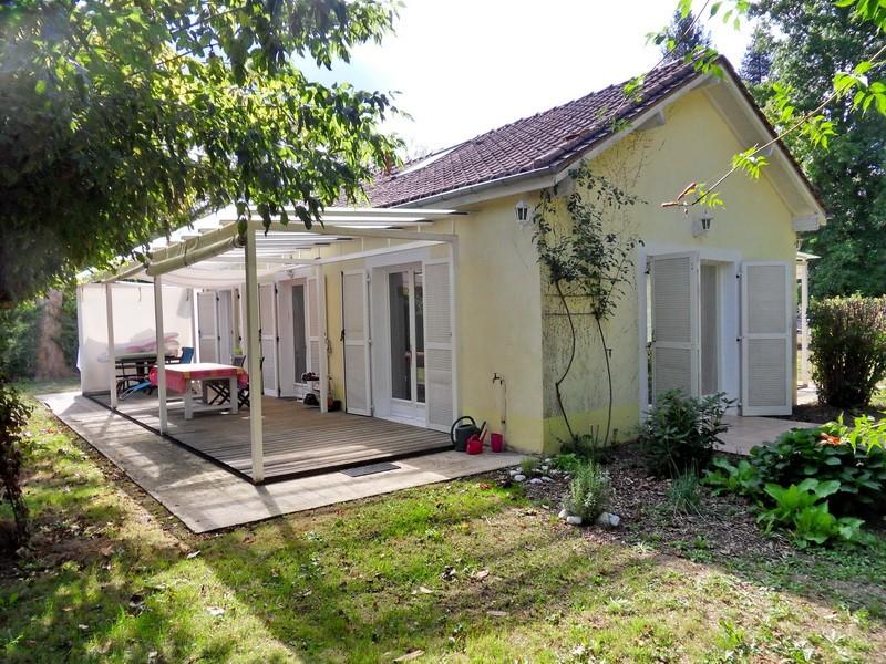 Maison plain pied T2 ds parc arboré bord Dordogne