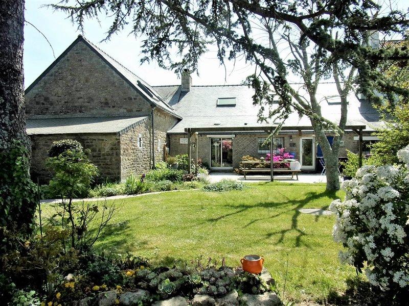 56520 Guidel Longère 226 m² sur 2700 m² de terrain 5 chambres + 1 garage Prix 457 556€ HAI