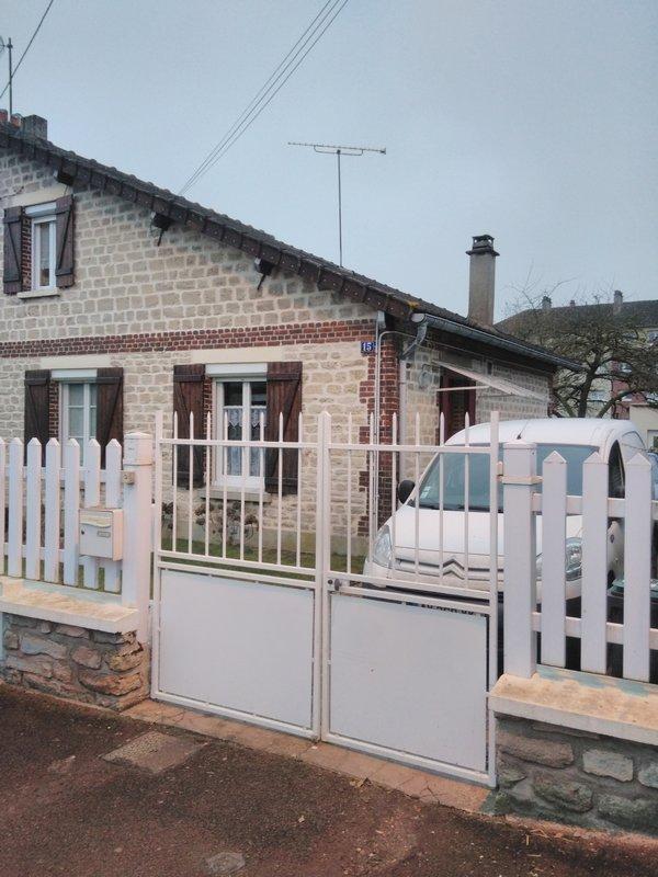 Maison rénovée 2 chambres + bureau à MOUY