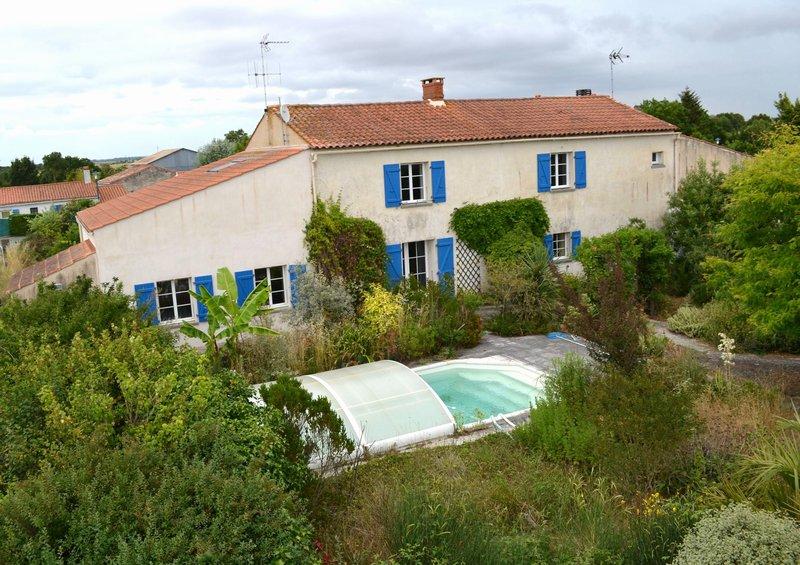 Maison - 7 piece(s) - 180 m2