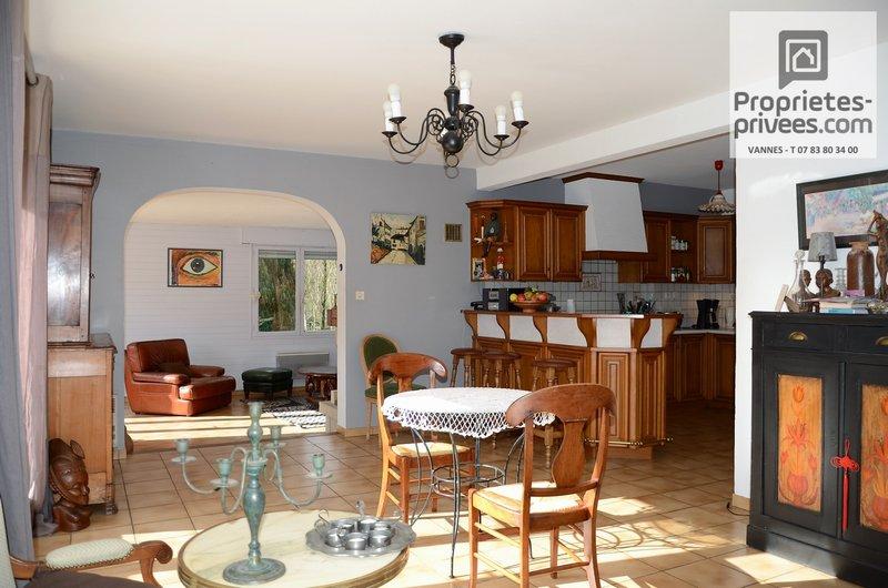 vente maison 135 m vannes 56000. Black Bedroom Furniture Sets. Home Design Ideas