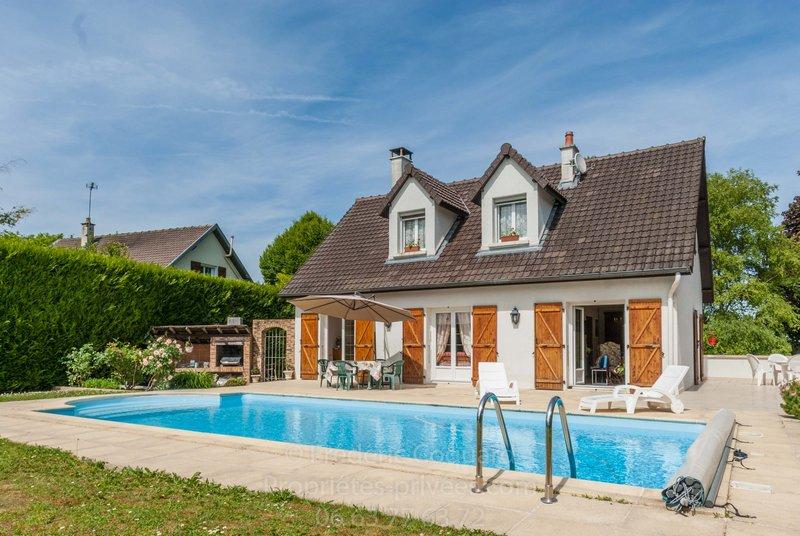 Maison 3 chambres 115m², calme + piscine
