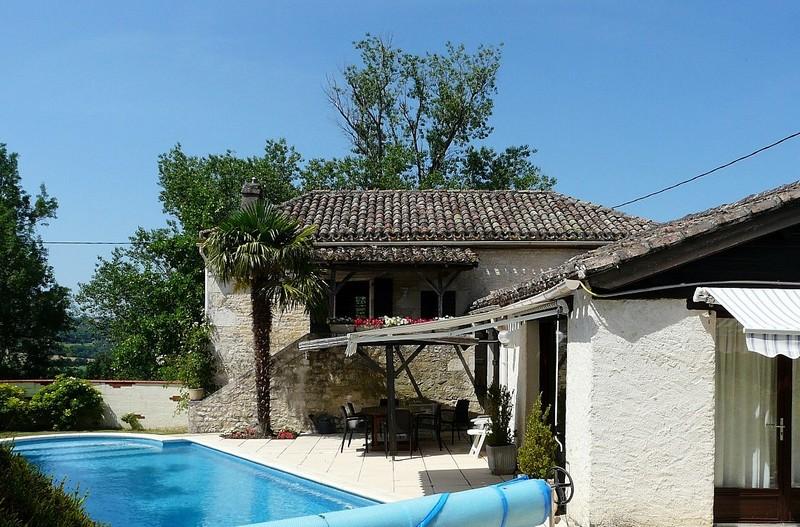 Maison en pierr avec piscine proche de Cahors
