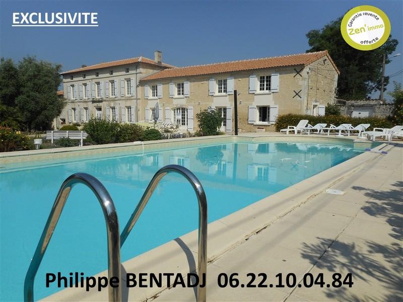 CHARENTAISE 325 m² AVEC 6 CHAMBRES + PISCINE
