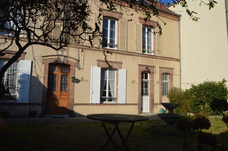 Vente maison bourgeoise 150 m dreux 28100 for Location garage dreux