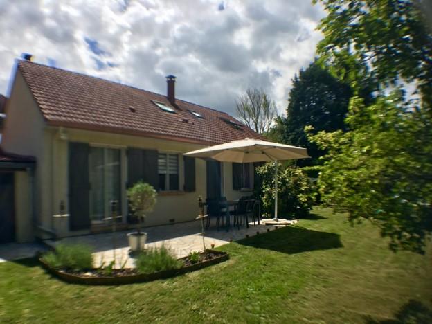 Maison familiale avec 5 chambres et un bureau