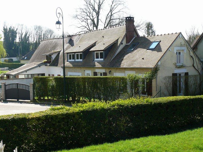 Vente maison de ville 90 m trie chateau 60590 for Piscine trie chateau