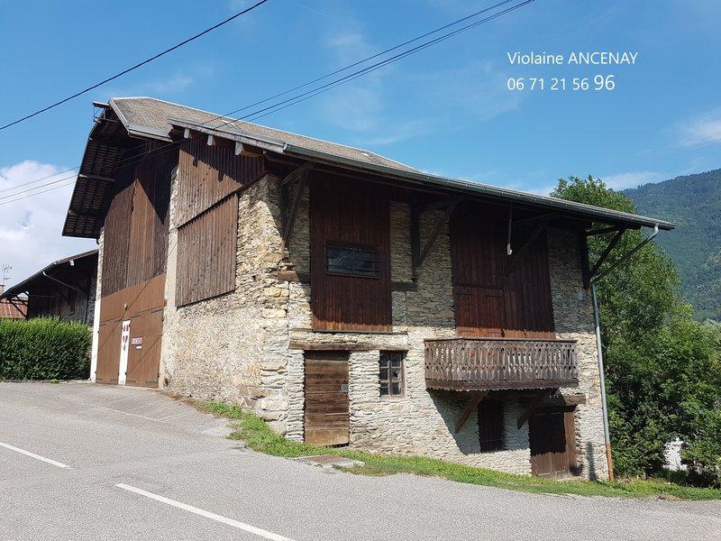 Bâtiment agricole à réhabiliter en Savoie