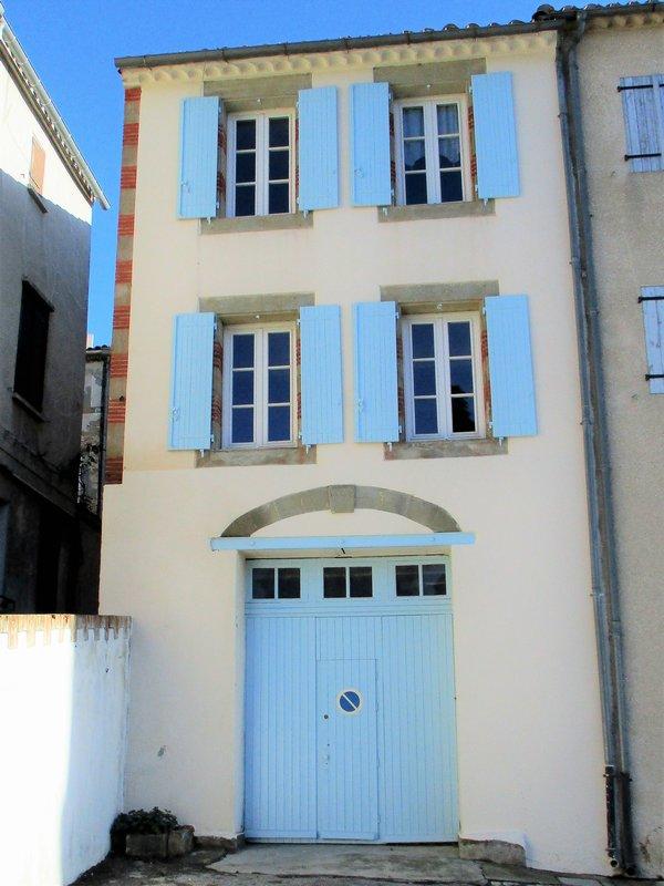 MAISON DE VILLAGE 4 P 90 m² MONTREAL (11290)