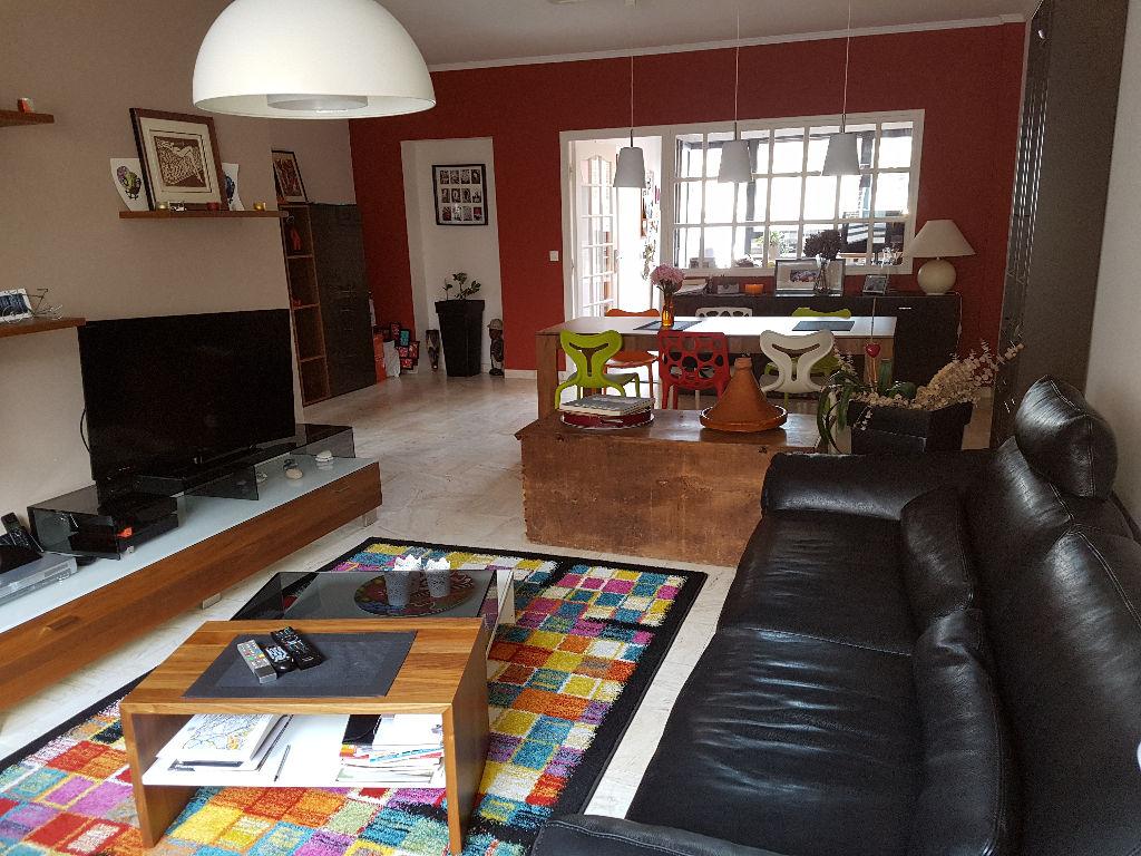Maison Lens hyper centre 8 pièce(s) 185 m2, 4 chambres, garage, jardin