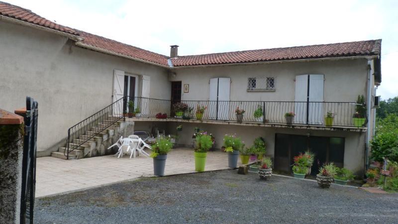A vendre maison avec 2 logements à BURLATS (81100) sur 5000 m2 de terrain