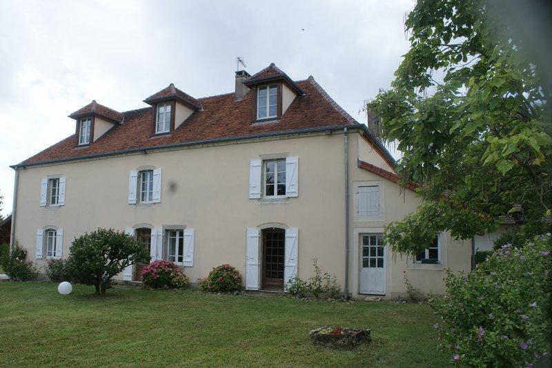 Arlay(39) Maison de maître 1783 dans parc 77 ares